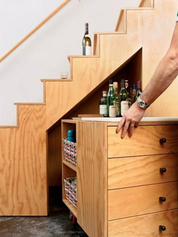 бар-лестница