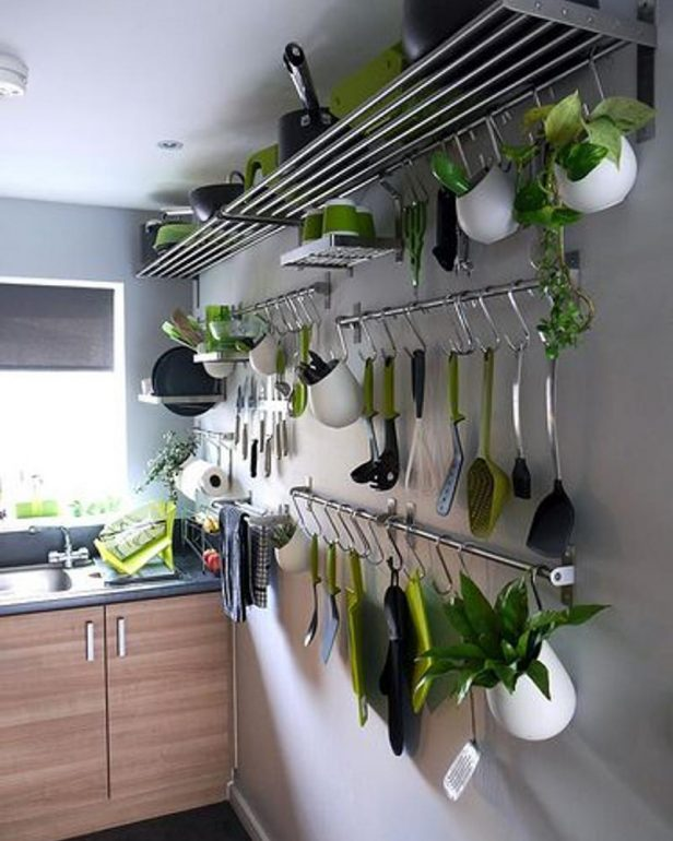 кухонные приборы на виду