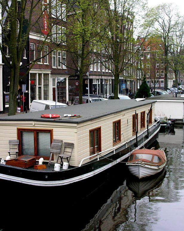 плавучие апартаменты Амстердам