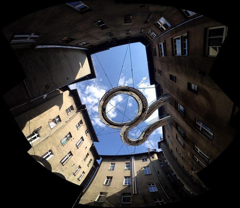 балкон в воздухе