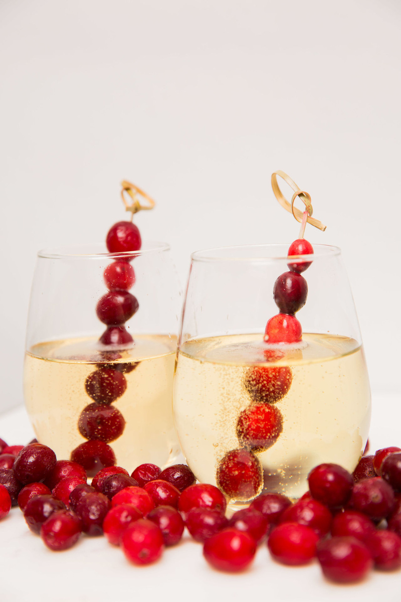 замороженные ягоды в бокале