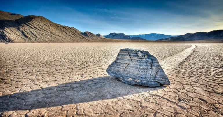 блуждающие камни США