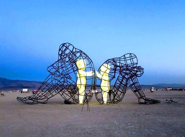 скульптура love