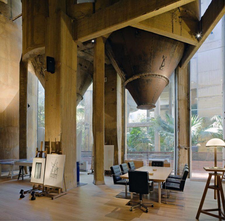 выставочный зал дома цементный завод Рикардо Бофилла