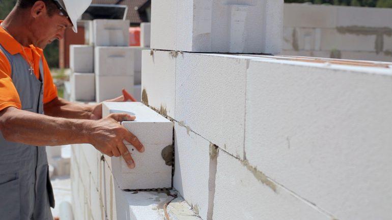 газобетон заполнение стен в монолитно-каркасной конструкции дома